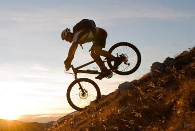 best-mountain-biking-trails-new-zealand-gear-patrol-lead-full